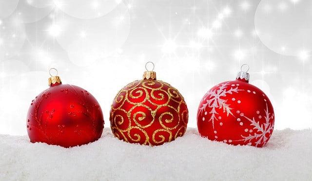 Boldog Karácsonyt vagy Kellemes Ünnepeket