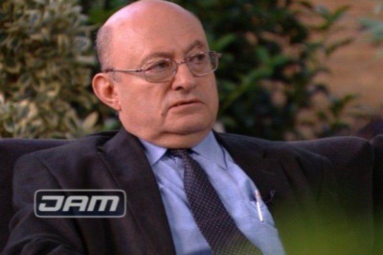 Pszichiáter ál-főorvos tobzódik a Merényiben
